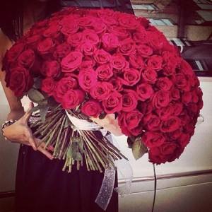 Amazing-Big-Rose-Bouquets-15
